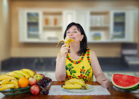 The secret of this woman's optimism is the daily eating of bananas.
