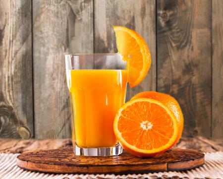 verre de jus d orange: jus santé
