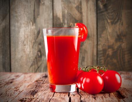 tomate: jus de tomate Banque d'images