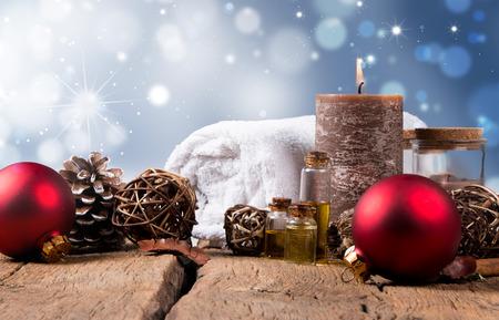 spa concept, wellness objecten op hout plant, Kerst achtergrond. Present vakantie concept.