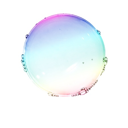 Kleur zeepbellen op wit wordt geïsoleerd