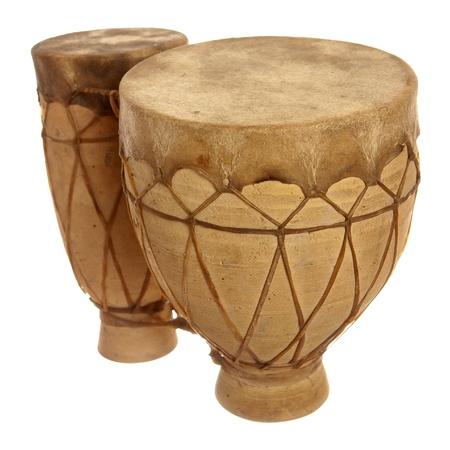 Tom-tom tambores aisladas sobre fondo blanco Foto de archivo