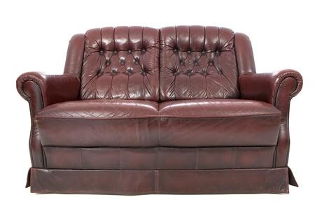 brown leather sofa: Divano in pelle marrone isolato su bianco