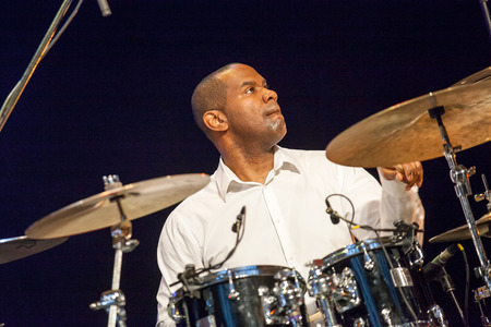 quintet: KAUNAS, LITHUANIA - APRIL 25, 2015: Jazz drummer David Haynes performs at the stage of Kaunas Jazz festival as a member of  TILL BRONNER QUINTET.