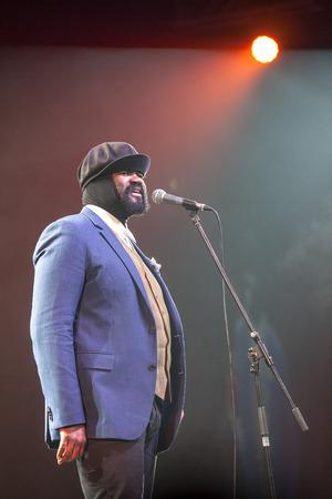 jazz singer: KAUNAS, LITHUANIA - APRIL 26, 2015:Grammy winner jazz singer Gregory Porter performs at the stage of Kaunas Jazz festival. Editorial