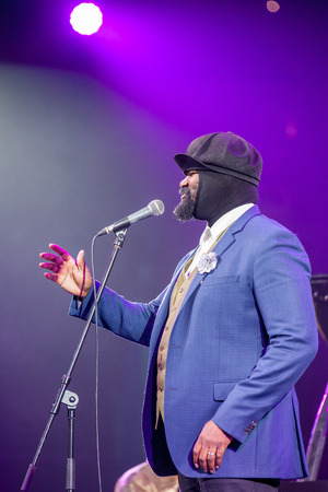 kaunas: KAUNAS, LITHUANIA - APRIL 26, 2015:Grammy winner jazz singer Gregory Porter performs at the stage of Kaunas Jazz festival. Editorial