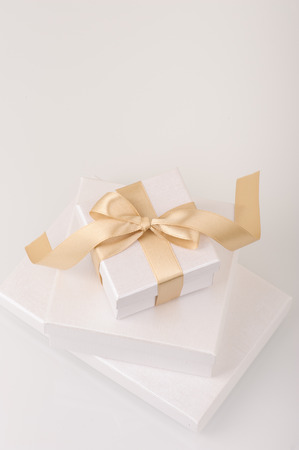 bow: Gift boxes
