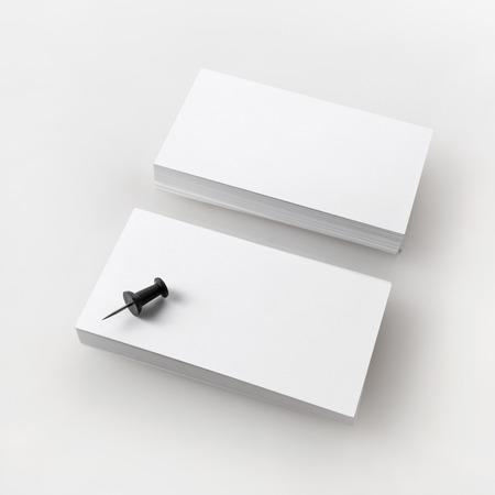 空白の名刺。アイデンティティをブランディングのテンプレートです。クリッピング パスで分離されました。 写真素材