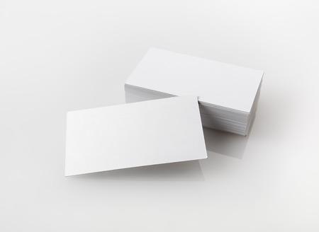 空白の名刺の写真。デザイナーのためのアイデンティティをブランディングのテンプレートです。