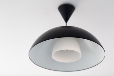 lighting fixtures: Ara�a negro grande. Accesorios de iluminaci�n. Poca profundidad de campo. Enfoque selectivo.