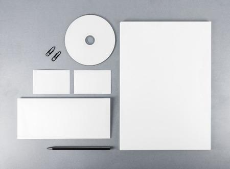 papeleria: Modelo del papel en blanco para la marca de identidad para los diseñadores. Vista superior. Foto de archivo
