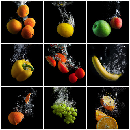 Owoce i warzywa wpadnięcia do wody z odpryskami i pęcherzyki. Zestaw zdjęć. Koncepcja czystej żywności. Promocja zdrowego odżywiania.
