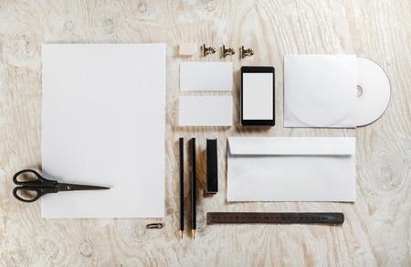 空白のひな形セット。デザイン プレゼンテーションやポートフォリオのモックアップ。
