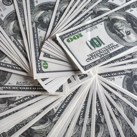 Immagini Stock - Sfondo Da Una Varietà Di Banconote Da Cento Dollari. Molti  Soldi. Dollari Sfondo. Denaro Falso. Image 57735373.