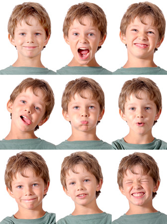 Ragazzino facendo espressioni facciali Archivio Fotografico - 23377627