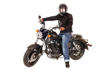 motor race: knappe man met zijn motorfiets geïsoleerd in het wit