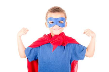 ojos tristes: niño pretendiendo ser un superhéroe Foto de archivo