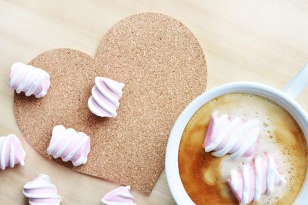 coffee with pink marshmallow Reklamní fotografie