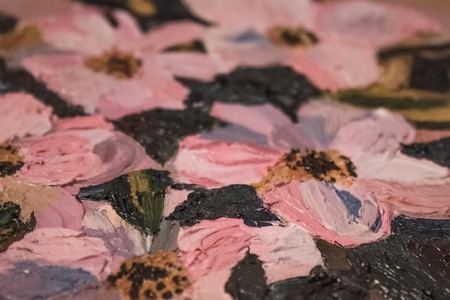 Painting, pink flowers. A fragment of the picture, the background is blurred. Art, creativity, hobby. Imagens