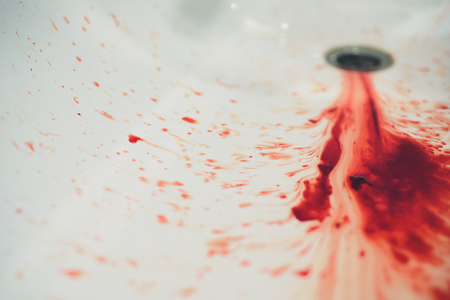 blood in basin,blood and washbasin in bath room,concept blood and basin in bath room Standard-Bild