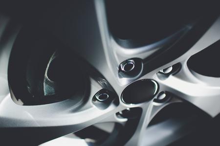 Modern automotive wheel on light alloy disc Standard-Bild