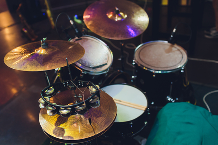 Modern drum set on stage prepared for playing Imagens - 124559629