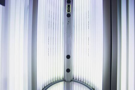Hitze-nicht-verbrennen Tabakprodukt-Technologie. E-Zigarette vor dem Rauchen. Standard-Bild