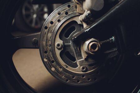 Dies ist das Bild einer Motorradbremsscheibe, Bremsanlage. Standard-Bild