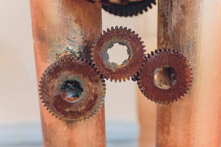 Mechanical collage made of clockwork gears rust. Imagens