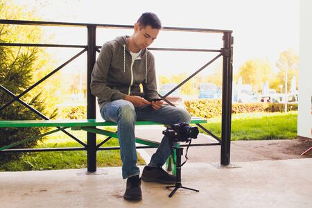 Videographer with gimball video dslr, Professional video, Videographer in event. 版權商用圖片