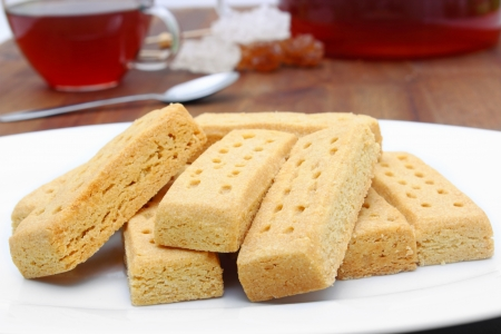 tasty shortbread fingers with black tea