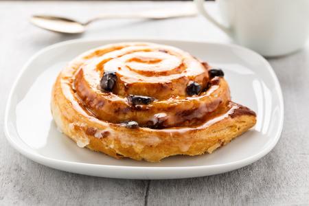 danish puff pastry: Fresh danish pastry with raisins and vanilla.