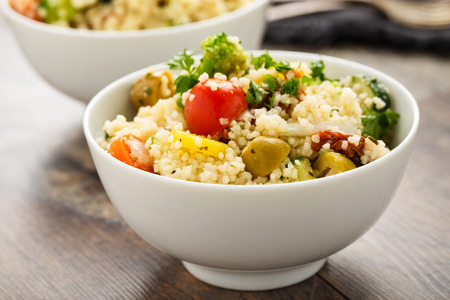 legumbres secas: Frewsh cous cous with grilled vegetables and sun dried tomatoes.