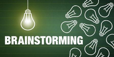 Banner Brainstorming - Text and light bulbs on a green chalkboard Standard-Bild - 111759689