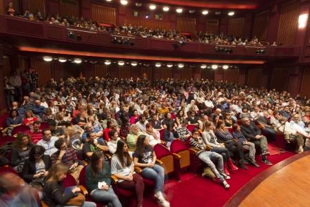 Thessaloniki - GRIECHENLAND, 4. November: Menschen während Eröffnungsfeier der 53. Thessaloniki International Film Festival im Kino Olympion, 04. November 2012 in Thessaloniki, Griechenland