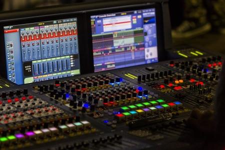 Ein Mischpult oder Audio-Mixer, flachen DOF