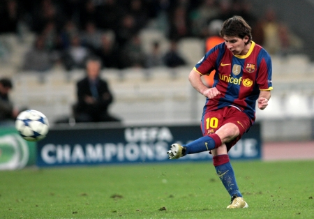 lionel messi: ATHENS, GREECE - NOV 24 : Messi of Barcelona in action during the UEFA Champions League group stage match Panathinaikos vs Barcelona on November 24, 2010 in Athens, Greece