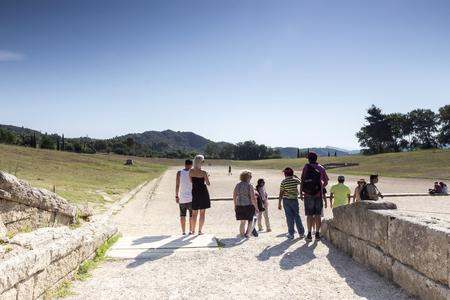Olympia, Greece- 9 augustus 2015: Oude ruïnes van de Philippeion in Olympia, Griekenland. Het Archeologisch Museum van Olympia, de belangrijkste van Griekenland.