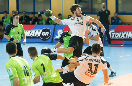Thessaloniki, Greece, Oct 17, 2015: Some Handball players in action during the game for the Greek Handball Championship PAOK vs Diomidis 에디토리얼