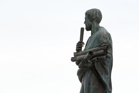 ギリシャの偉大な哲学者アリストテレスの像