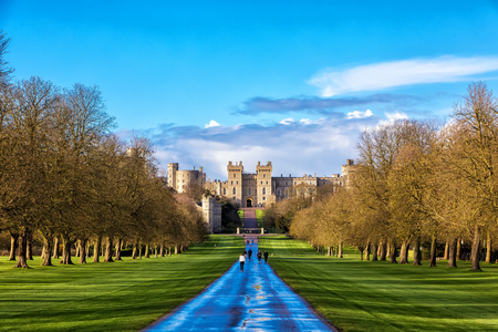 Windsor castle, England - March 22, 2017: Outside landscape of Medieval Windsor Castle. Windsor Castle is a royal residence at Windsor in the English county of Berkshire. Stok Fotoğraf - 78463359