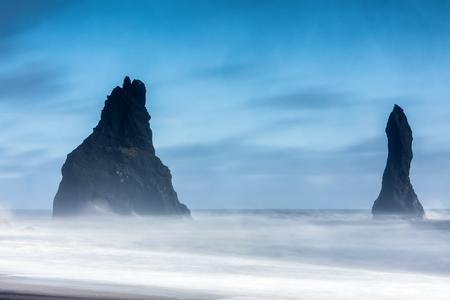 Reynisfjara 火山ビーチで荒天