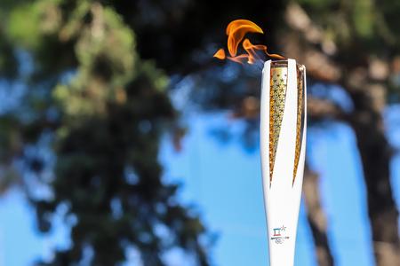 Thessaloniki, Griekenland, 27 Oct, 2017: Olympics van de winter toortsrelais kwam in Thessaloniki aan. De vlam werd geboren in het oude Olympia en reisde naar Noord-Korea, in Pyongyang om te eindigen in het Olympisch Stadion voor de XXII Olympische Winterspelen 2018. Redactioneel