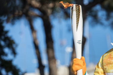 Thessaloniki, Greece, Oct  27, 2017:Winter Olympics torch relay arrived in Thessaloniki. The flame was born in ancient Olympia will travel to North Korea, in Pyongyang to end in the Olympic Stadium for the XXII Winter Olympics 2018. 新聞圖片