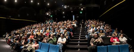 Saloniki, Griechenland - 6. November 2017: Zuschauer, die im Kino während des 58. internationalen Saloniki-Film-Festivals bei Jonh Cassavetes Cinema aufpassen