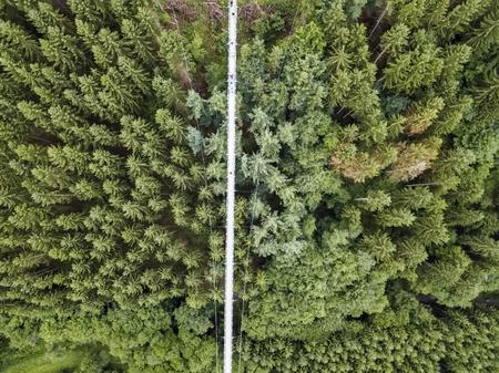Luftbild Deutschlands längste Seilhängebrücke 300 Meter über einem Canyonboden Geierley. Es liegt zwischen den Städten Morsdorf und Sosberg Standard-Bild