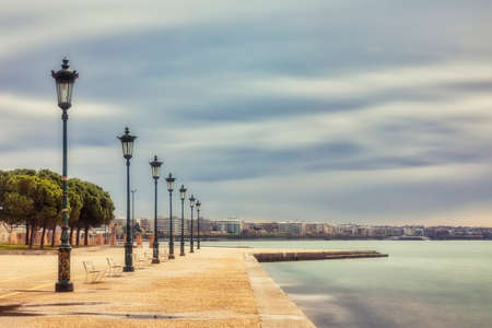 Thessaloniki, Greece - April 2, 2020: A view of empty streets, parks, squares and attractions in Thessaloniki after Greece imposed a lockdown to slow down the spread of the coronavirus disease Redactioneel