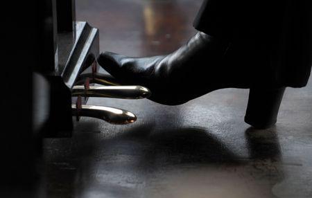 apalancamiento: Tocar el piano: pedal