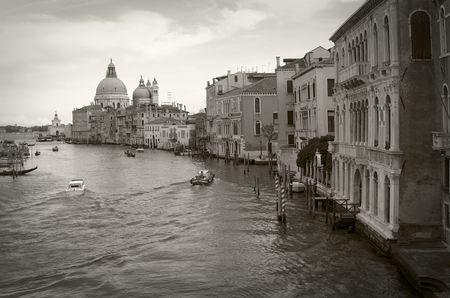 Venezia: Canal Grande visto dal ponte di Accademia, seppia tonificati