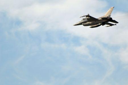 f 16: Military jet